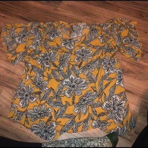 Loft Flutter Sleeve Blouse Size Large